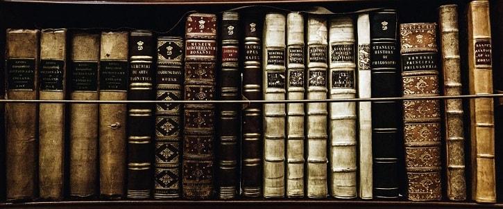 Библиотека книг по магии и рунам